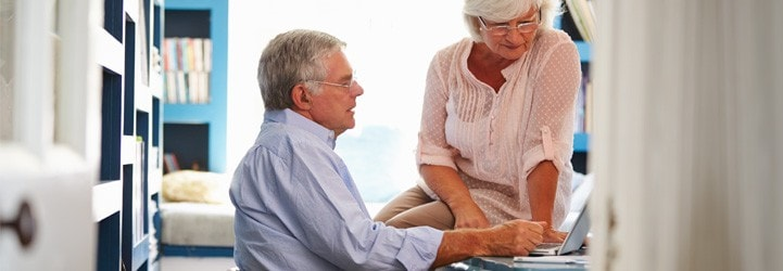 photo-senior-couple-laptop-721x250